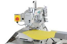 Automatic unit for hemming operation on flat sleeves